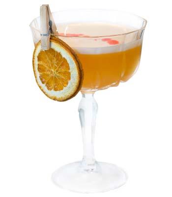 foto di un cocktail il liquore alle clementine calabro