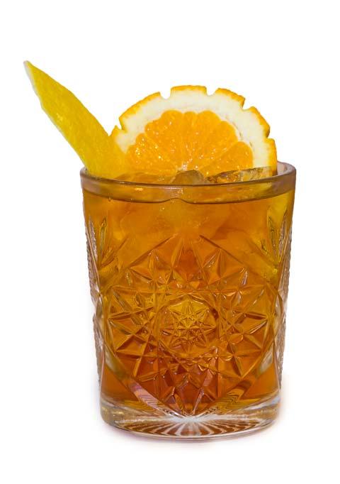 un cocktail preparato con Amaro Brethium calabro liquori